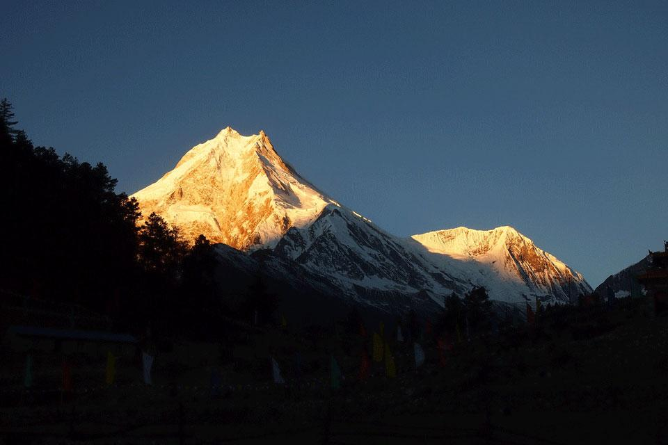 Round Manaslu and Tsum Valley Trek